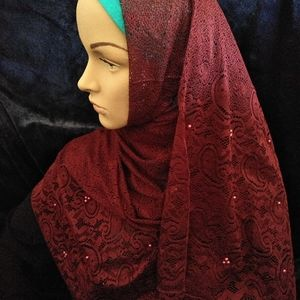 Lace and pearls Hijab
